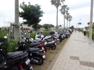 江の島 無料二輪駐車場