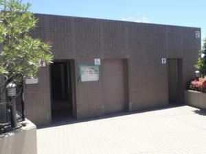 相模川 高田橋 川のトイレ(マンション側)