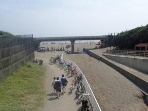 湘南海岸サイクリングコースの橋を利用したBBQ