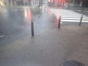 歩道の水溜り:台風19号