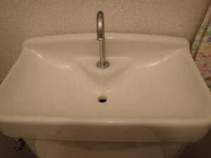 トイレタンク 水が止まらない:対処方法