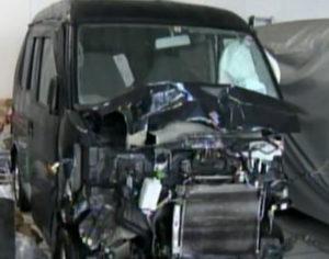 中央分離帯横転事故:事故車